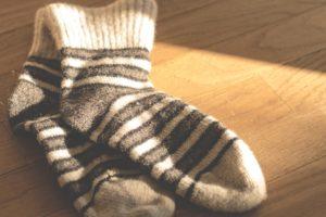 wolle-sokken-voeten-pedicure